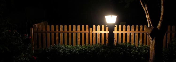 jardin iluminado con led