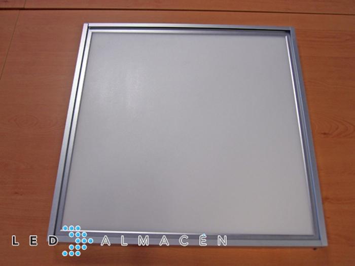 Kit de montaje superficie panel led 60x60 led almac n for Paneles led de superficie